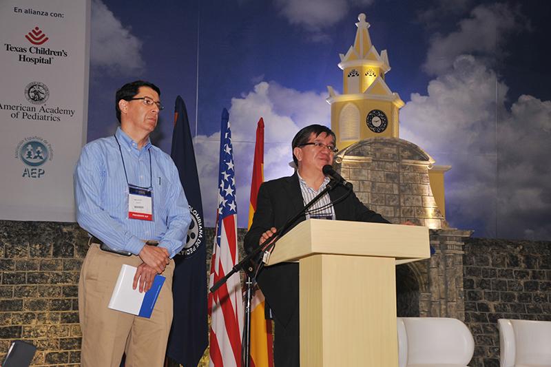 Destacados conferencistas nacionales e internacionales, con la más completa agenda académica