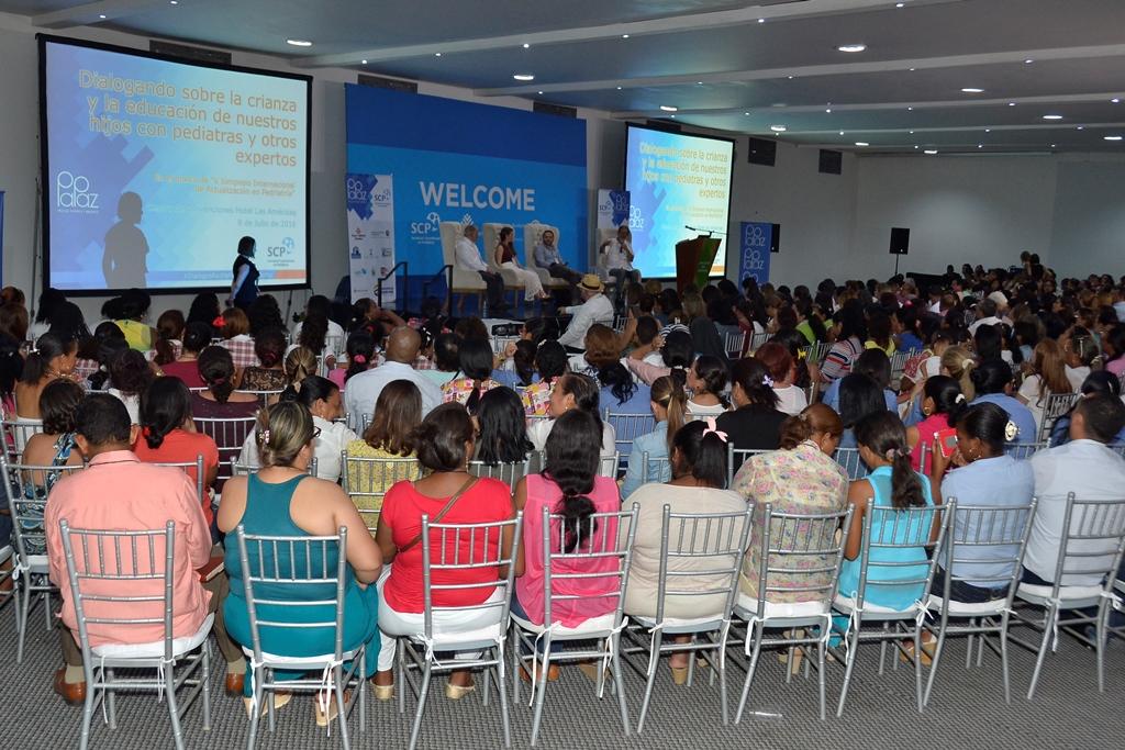 'Los Diálogos del Simposio', con gran asistencia de familias, docentes y adolescentes