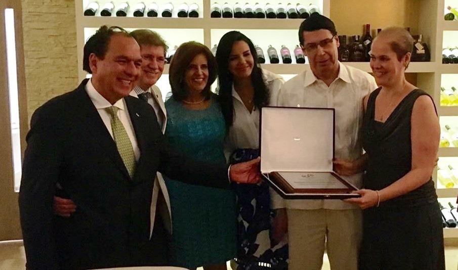Sociedad Colombiana de Pediatría entregó reconocimiento a ASCON por 15 años de labores en la salud infantil
