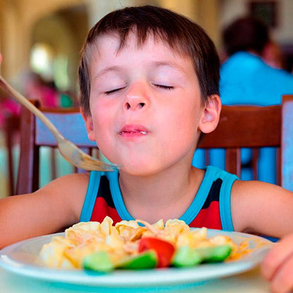 Nutrición adecuada en niños y adolescentes, clave para un futuro saludable