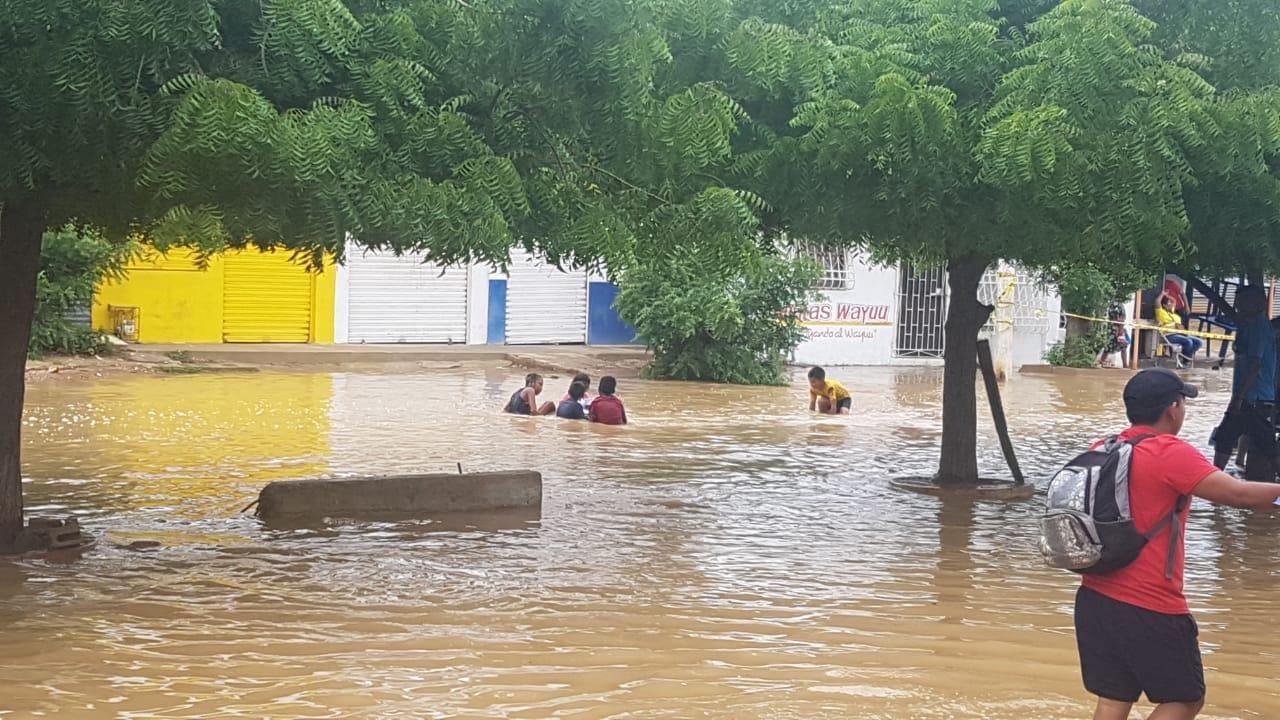 Ayúdanos con tu donación: más de 20 mil afectados por inundaciones en Uribia, La Guajira, y el 40% son niños