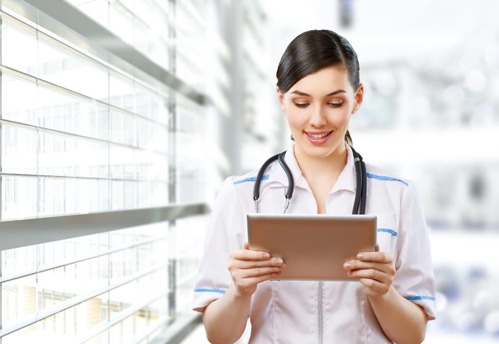 2.377 profesionales de salud se capacitaron este año con los cursos virtuales de la SCP