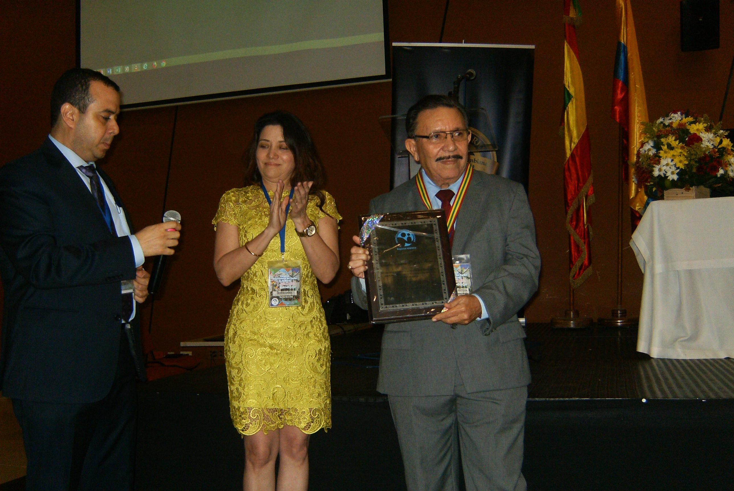 Con un homenaje al Dr. Emilio Oyola, se cumplió el Congreso Internacional del Caribe en Pediatría